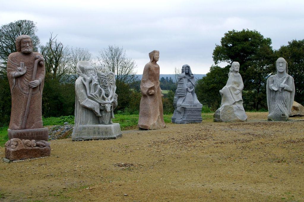 Quelques statues